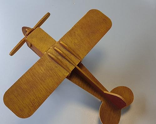 découpe contreplaqué assemblage avion