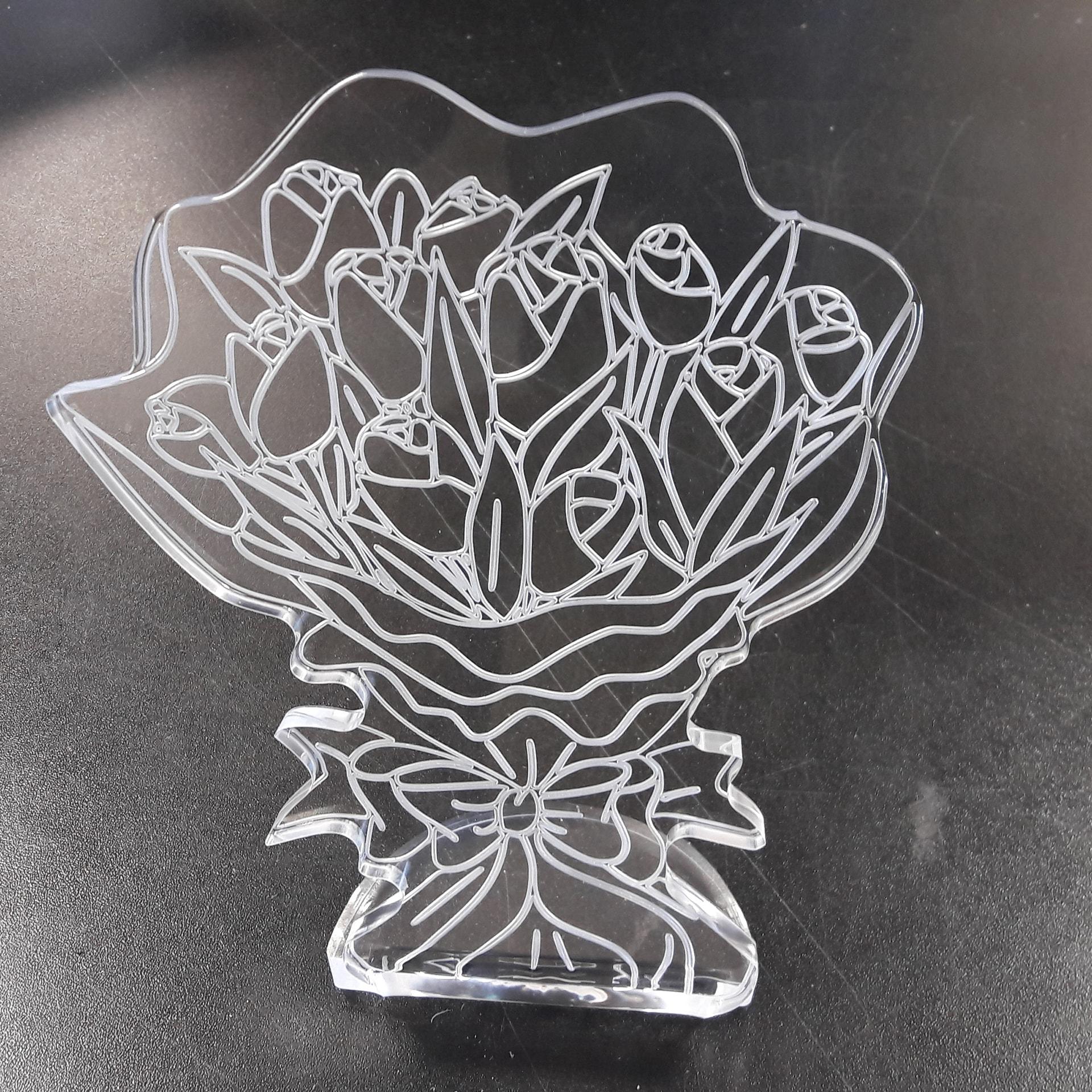 Fabricant trophée plexi gravure découpe bouquet de rose